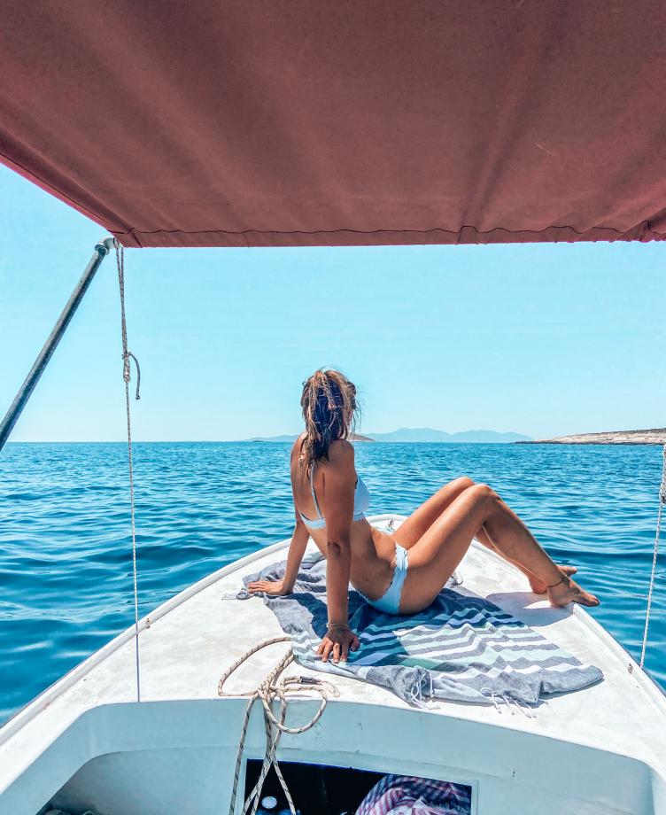 rent a boat hvar