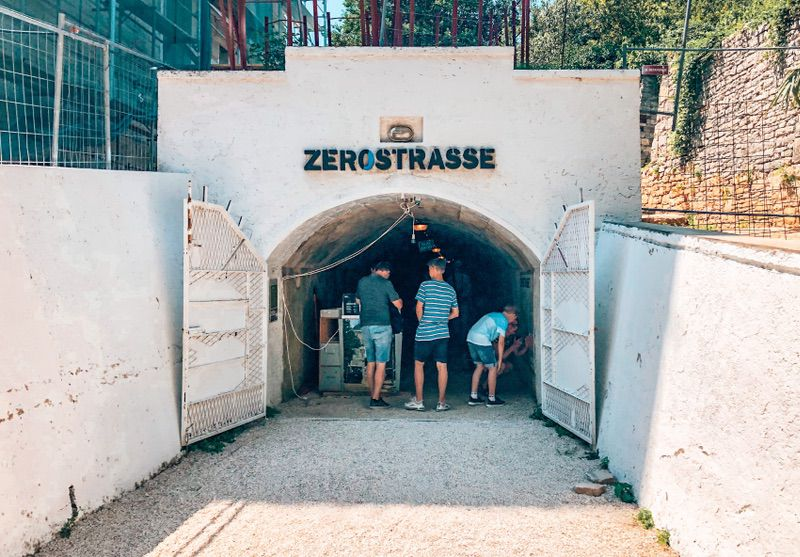 Zerostrasse gangenstelsel Pula